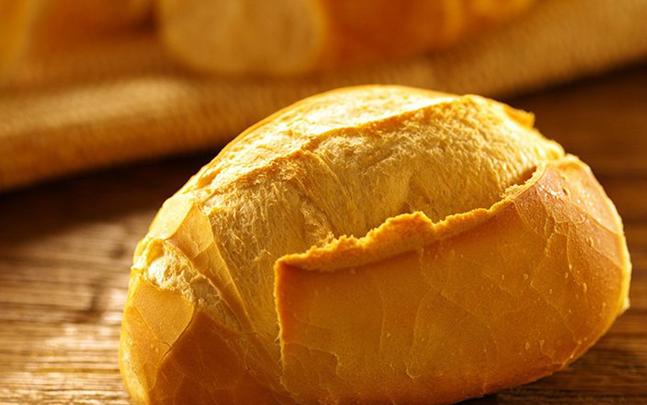 Pão Francês Caseiro com 4 Ingredientes
